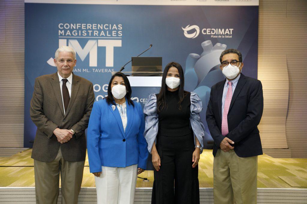 Doctor Jorge Marte, Director Médico, Milagros Ureña, Directora General, Rebeca Pérez, coordinadora Unidad Cardiovascular Pediátrica y César Herrera, Director Centro Cardiovascular